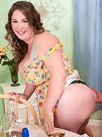 Nikki Smith - Love Your Pie