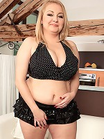 Krissy Dawson - Jiggly Girl In The Big Titty City