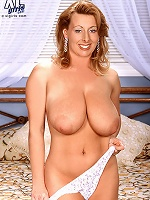 Natural buxom 90s pornceleb in hard-core act.